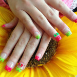 Green and Red Bows 3D Nail Art