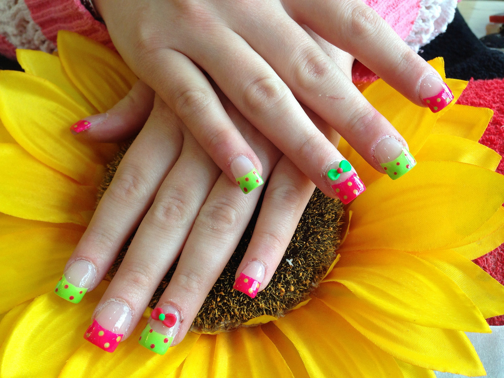 Full set of acrylic nails with bright pink and green polish with full set of acrylic nails with bright pink and green polish with 3d acrylic bows prinsesfo Gallery