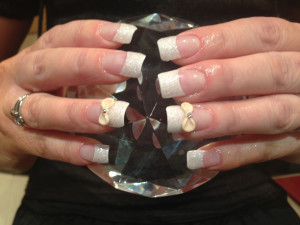 Cream Bows 3D Nails
