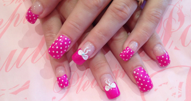 Full Set Of Acrylic With Poker Dot Nail Art And 3d Bows
