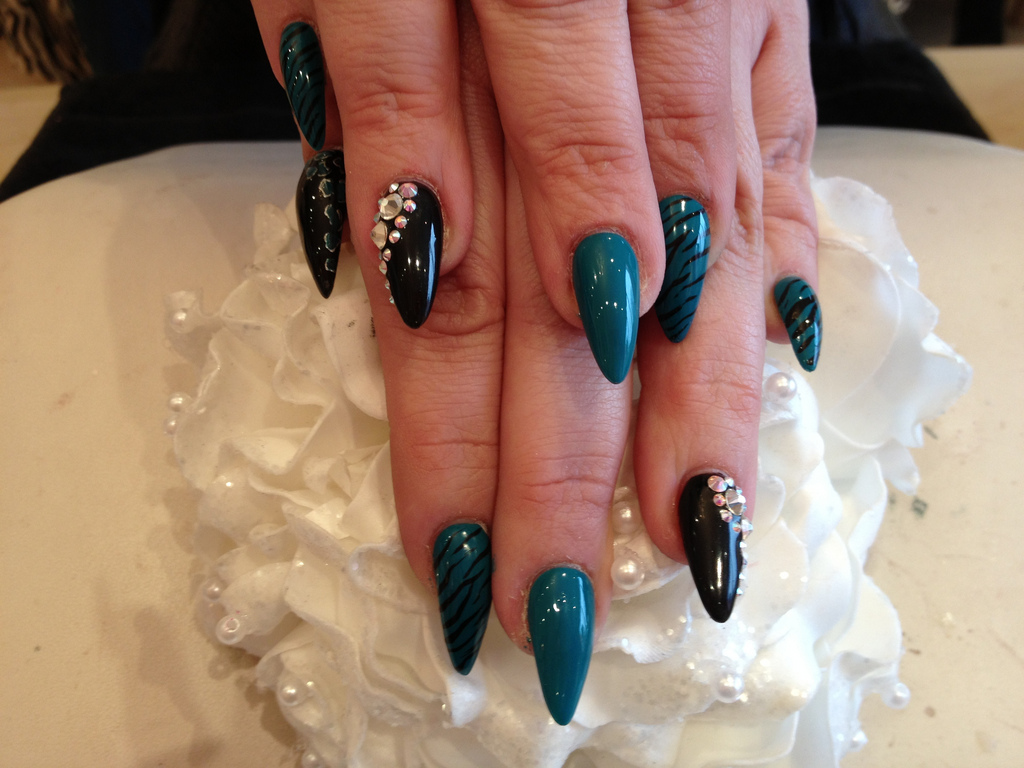Stiletto Nails With Gel Polish and Nail Art - Nail Designs For You