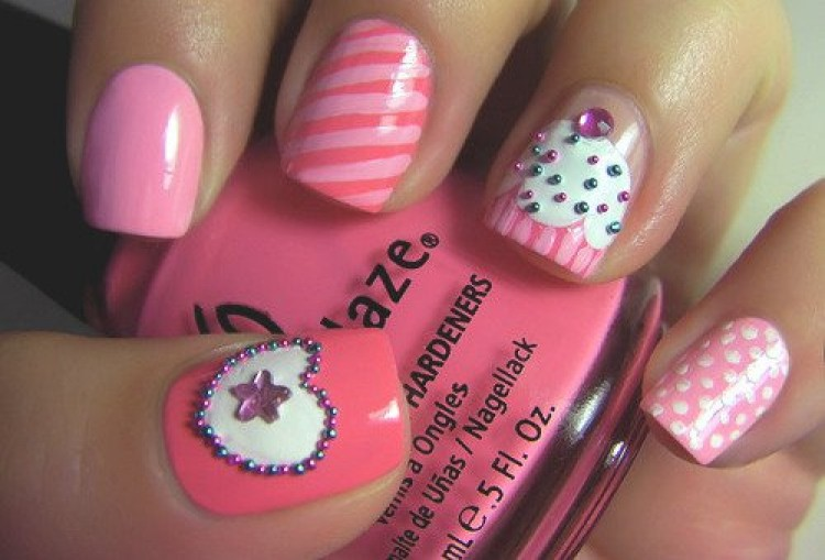 Cupcake Birthday Nails