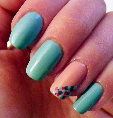 Simple Dots Nail Art Design
