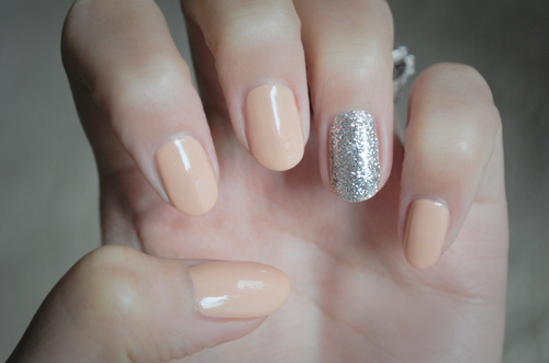 elegant short nail design