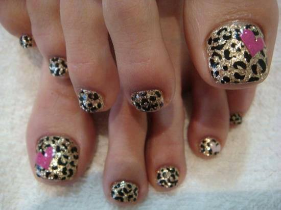 Gold And Black Glitter With Hearts Toe Nail Design Nail Designs