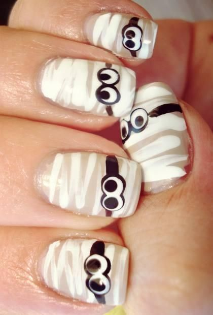 Mummy Halloween Nail Design Art