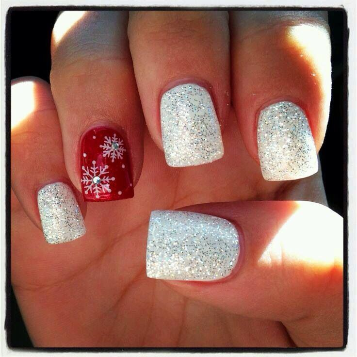 pretty jewel snowflake christmas nail designs