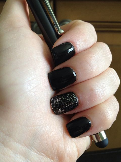 Black Nails with Sparkly Accent