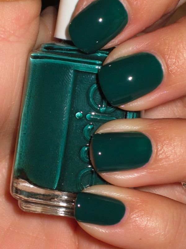 Forest Green Colorful Nails