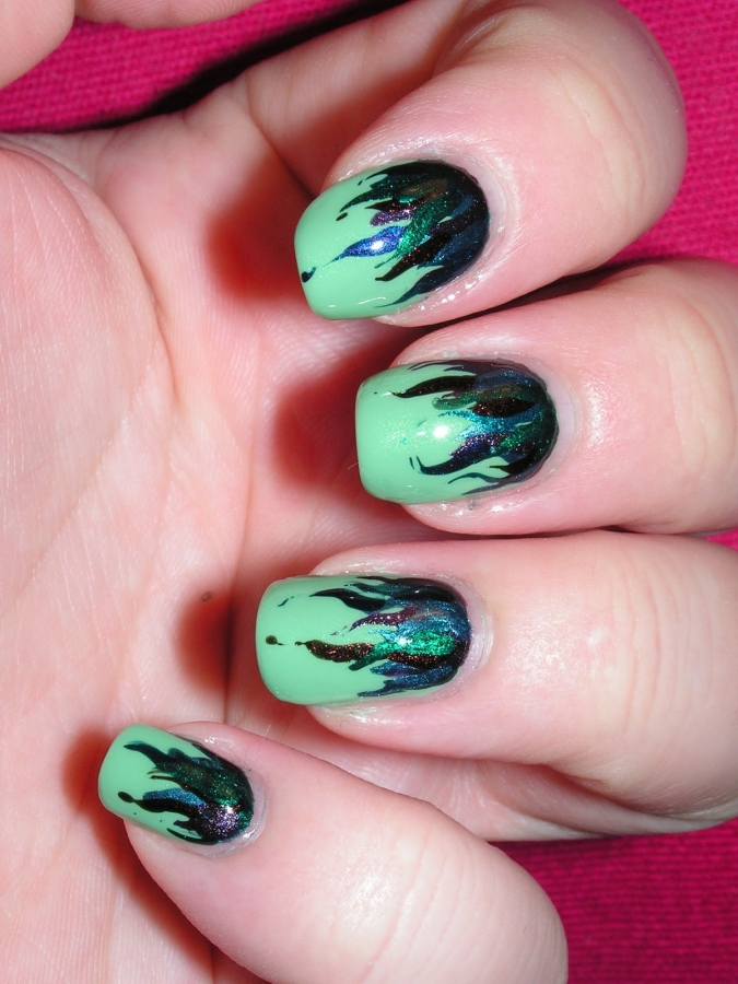 Green Nail Colorful Design