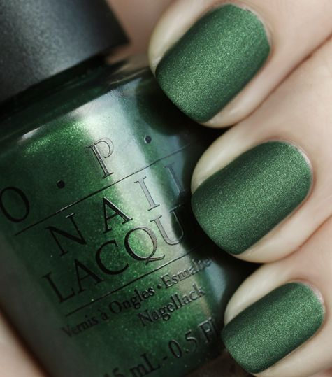 Green Nails Design