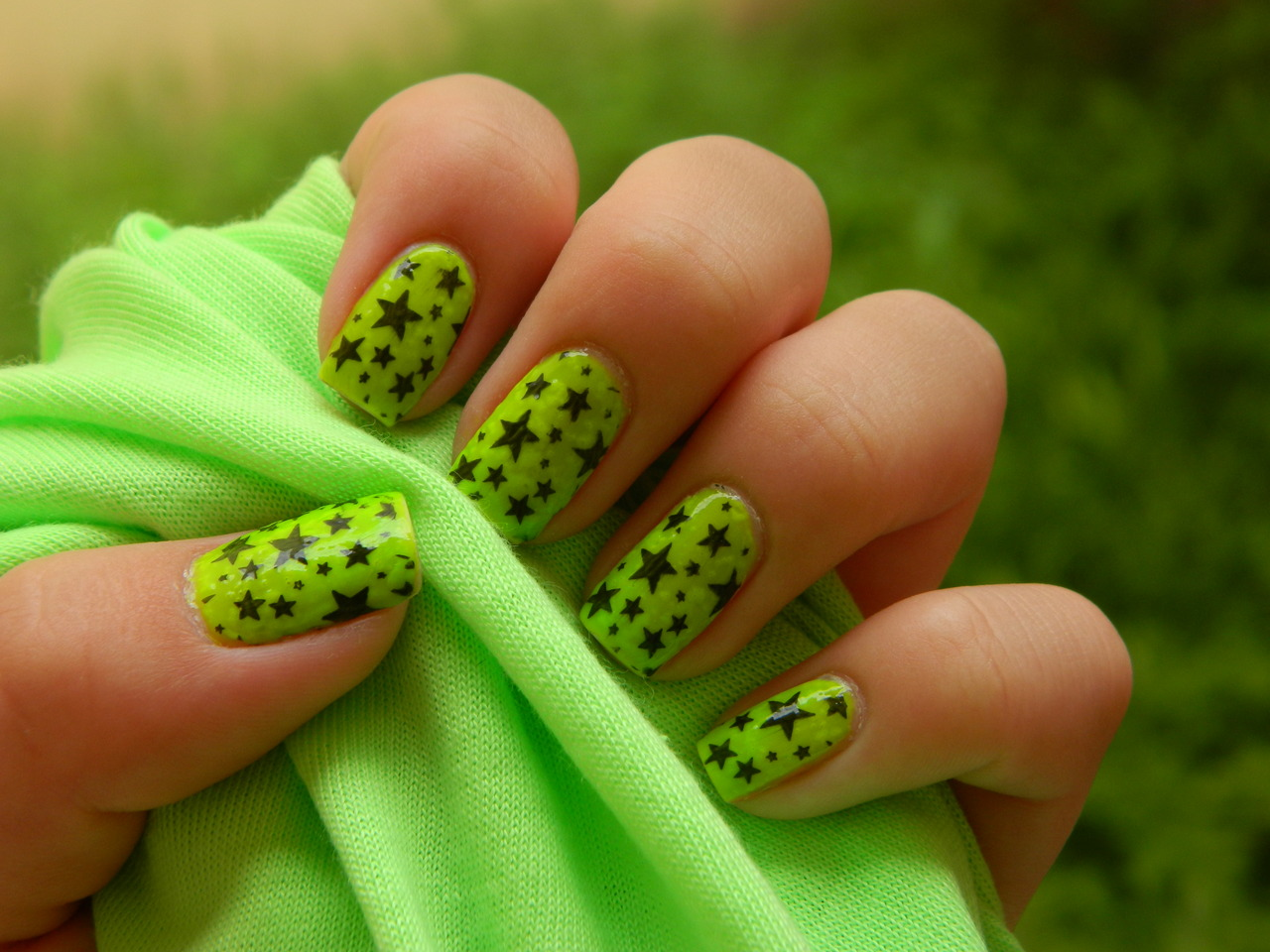 Green Star Nail Design