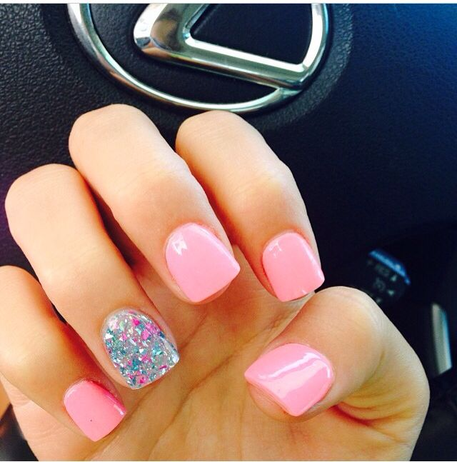 Light Pink Nails and Glitter Accent