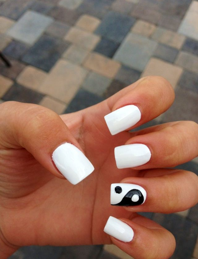 White Ying and Yang Nail Design