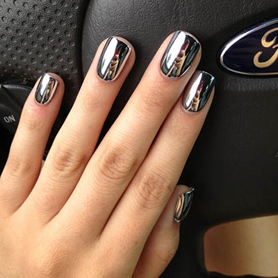 Glamour-Black-Charming-Metallic-Nail-Polish